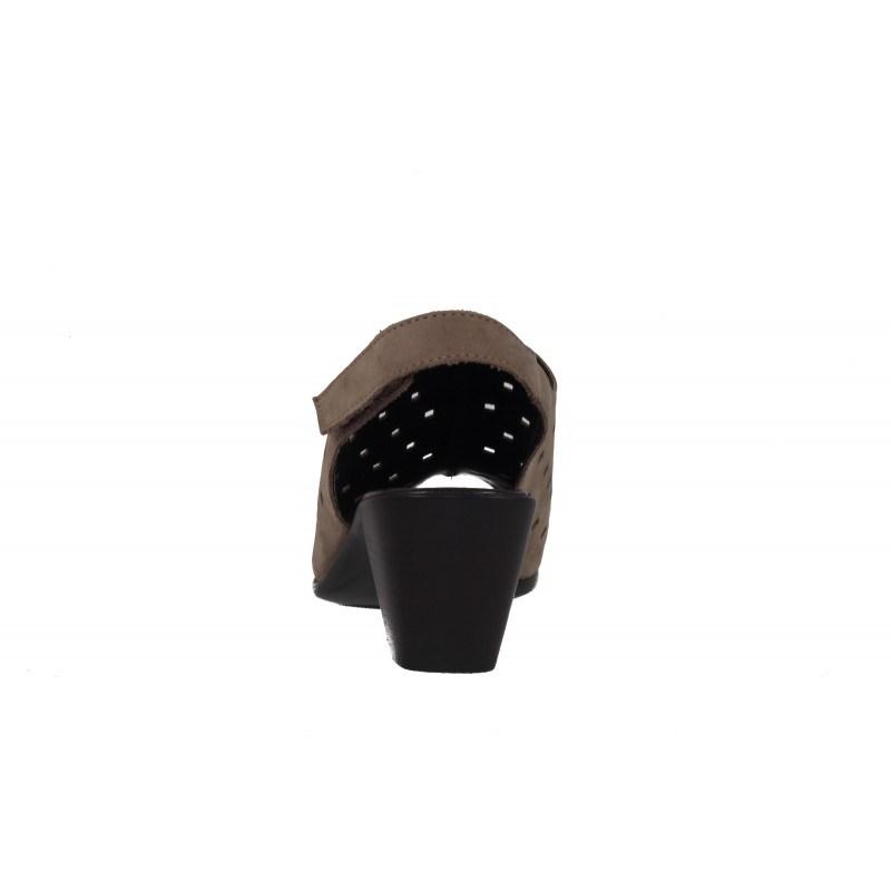 Дамски сандали на ток от естествена кожа Gabor 4581412 бежови