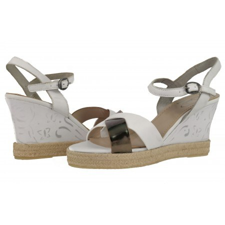 Дамски сандали на платформа Janet бели