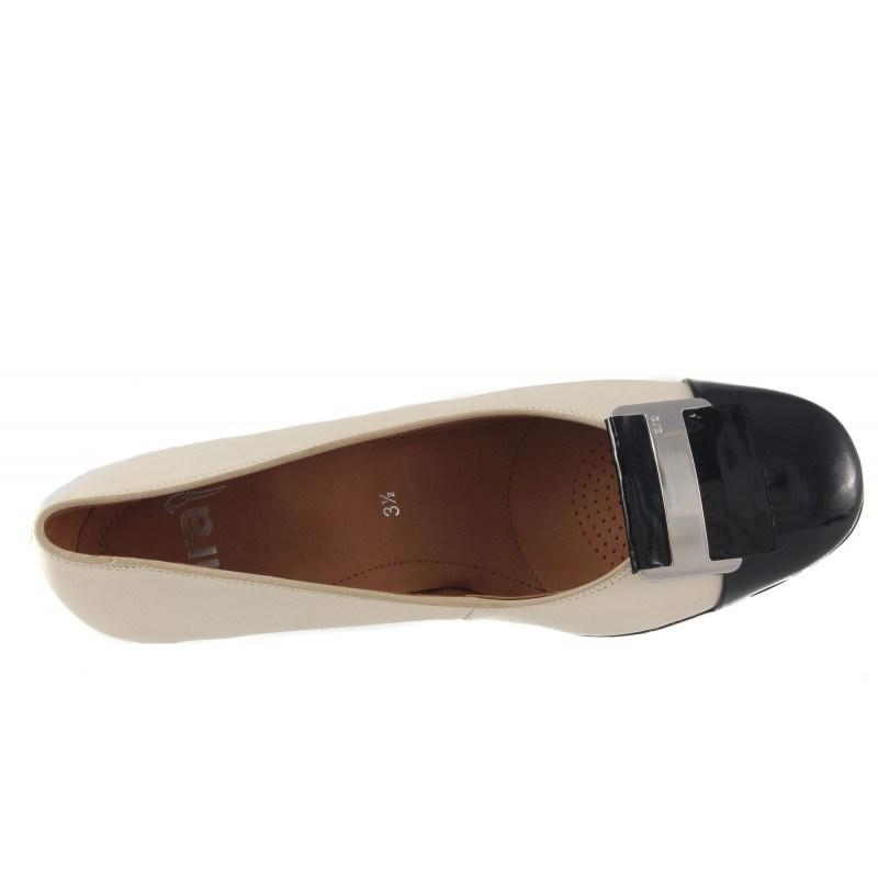 Дамски кожени обувки на ток Ara бежови/черен лак