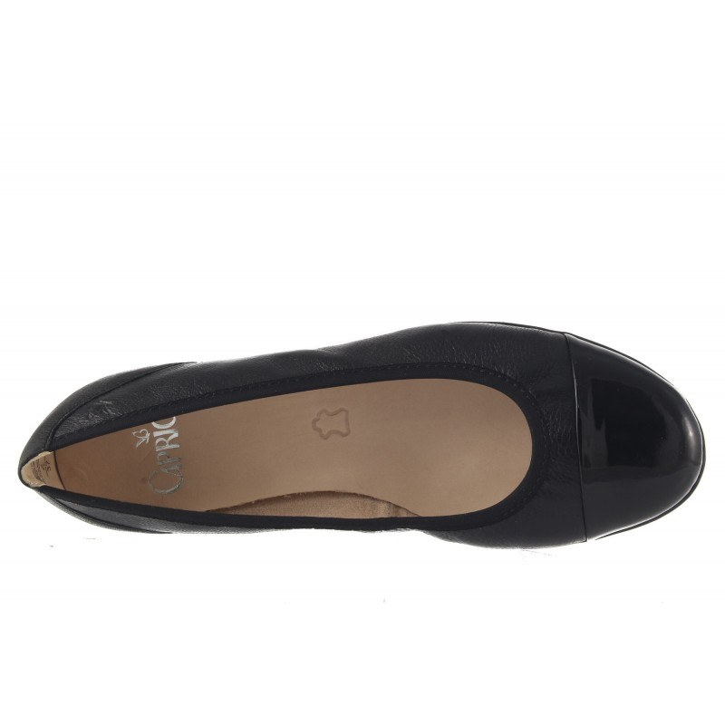 Дамски кожени обувки балерина Caprice черни