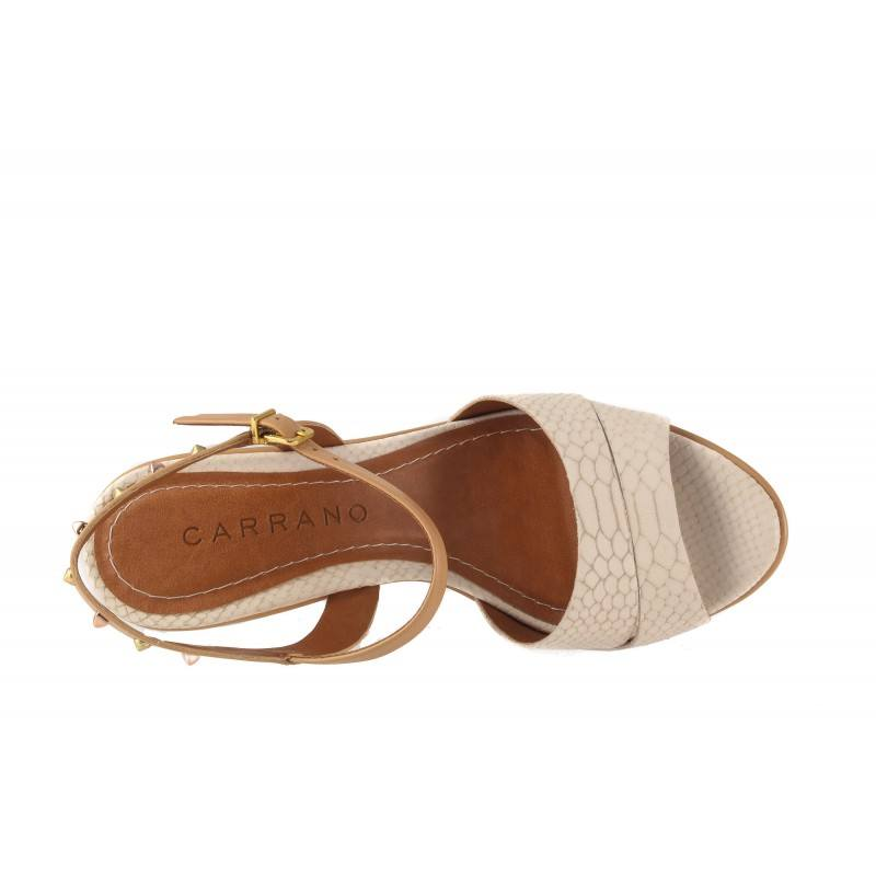 Дамски сандали на висока платформа Carrano бежови