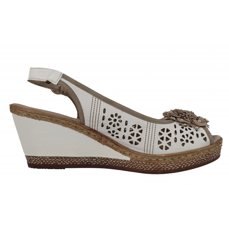 Дамски кожени сандали на платформа Remonte бели