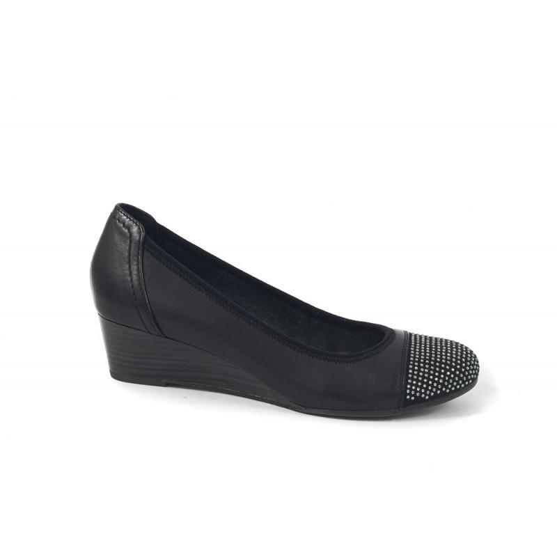 Дамски кожени обувки Tamaris мемори пяна черни камъни 22308001