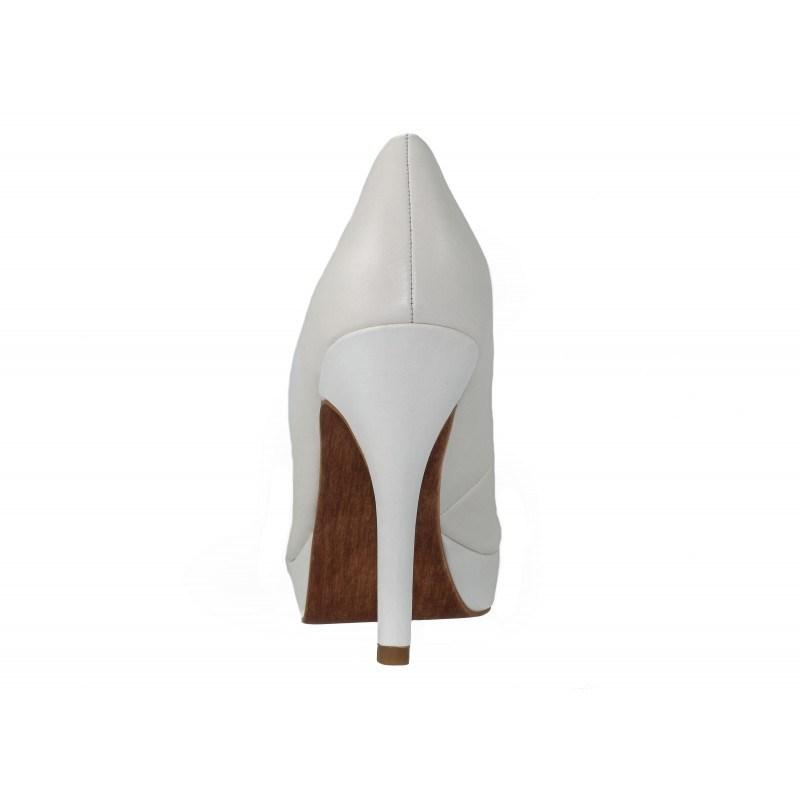 Дамски обувки на висок ток Tamaris бели естествена кожа