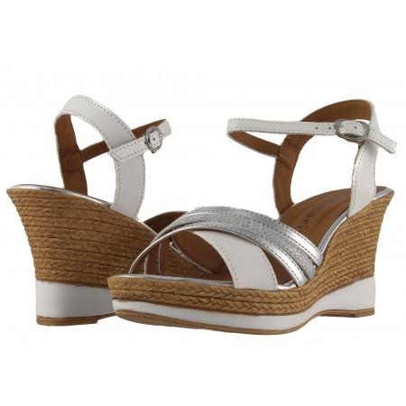 Дамски сандали на платформа Tamaris бели/сребристи