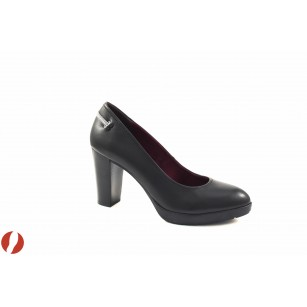 Елегантни дамски обувки на висок ток S.Oliver черни 22404003