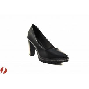 Елегантни лачени дамски обувки на висок ток Tamaris черни 22438018