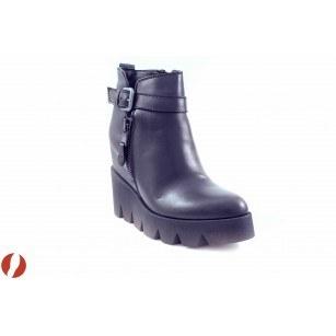 Дамски кожени боти с платформа Tamaris черни 25455001