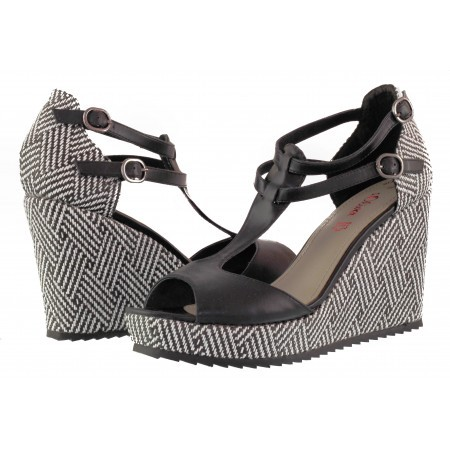 Дамски сандали на висока платформа S.Oliver черни