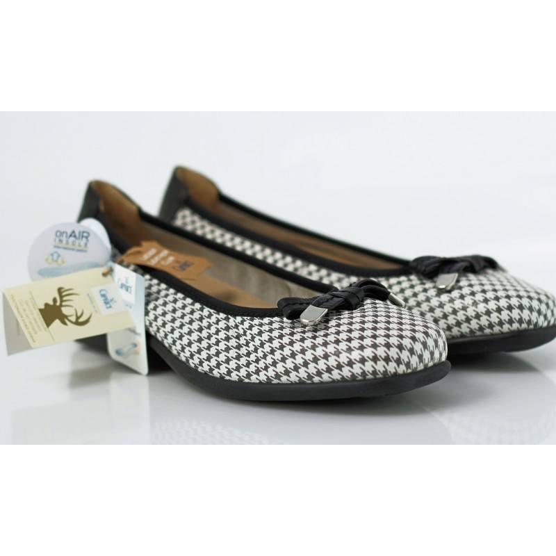 Дамски обувки тип балерини Caprice бели естествена кожа