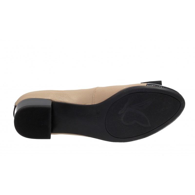 Дамски кожени обувки на ток Caprice бежови/черен лак