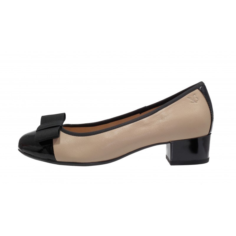 Дамски кожени обувки на ток Caprice бежови/черен лак  — Kompass