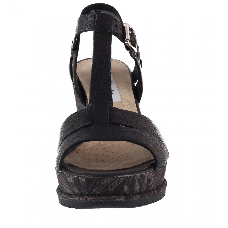 Дамски сандали на платформа Clarks Adesha River естествена кожа черни