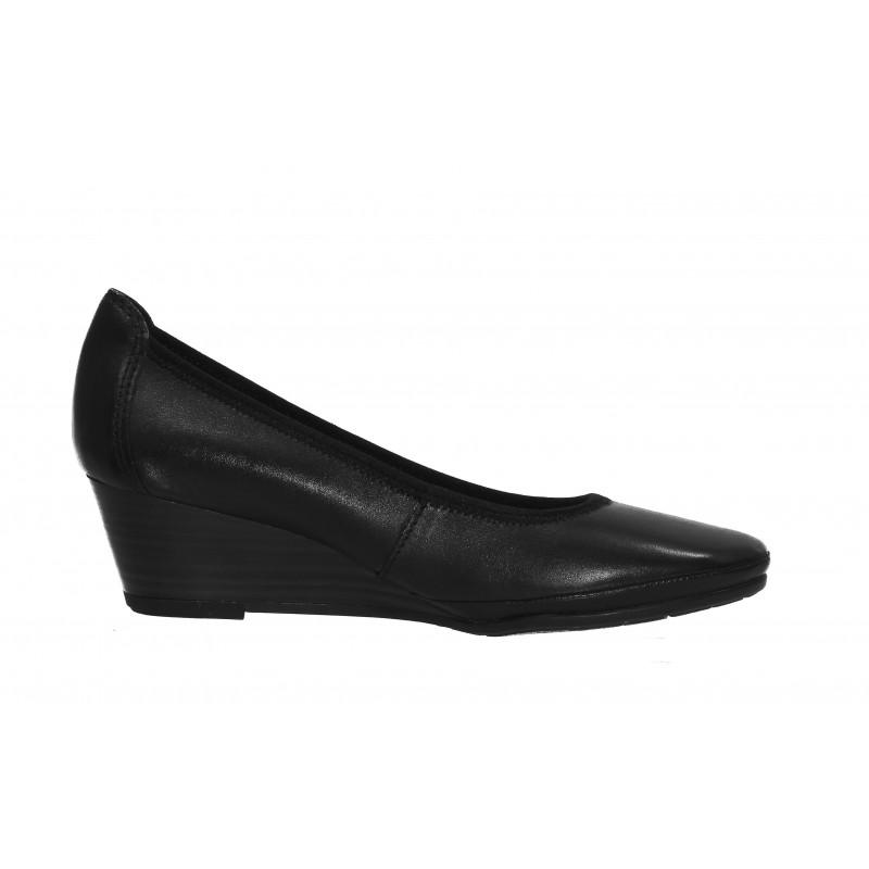 Дамски кожени обувки на платформа Marco Tozzi мемори пяна черни