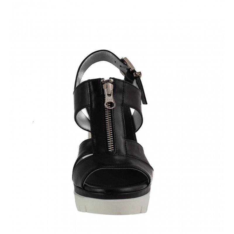 Дамски италиански сандали от естествена кожа Nero Giardini черни