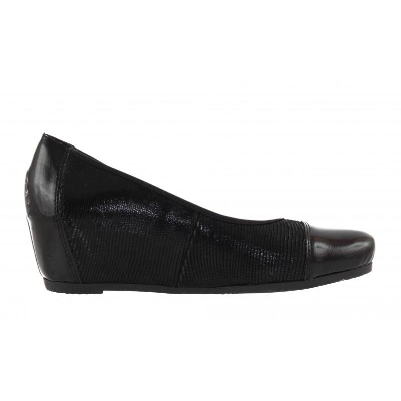 Дамски кожени обувки холандски ток Rieker черни