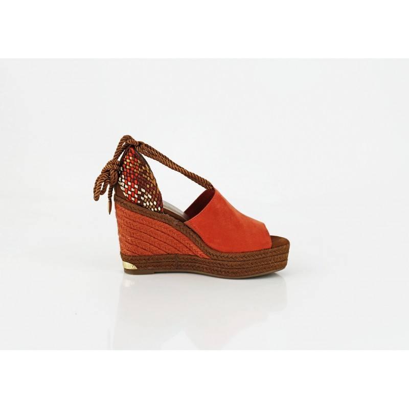Дамски сандали на висока платформа Tamaris оранжеви