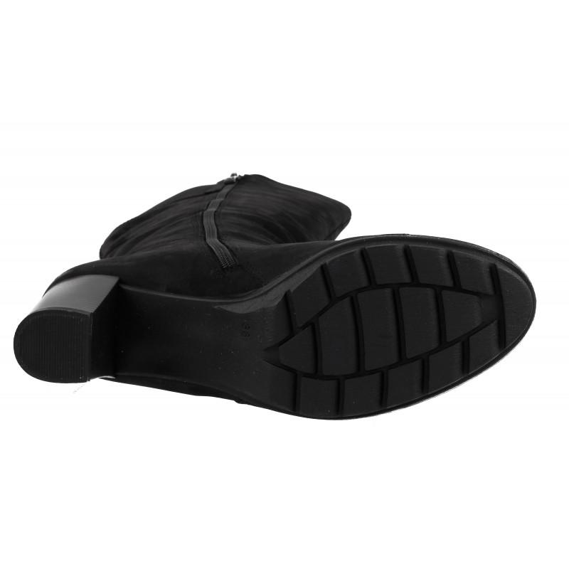 Дамски кожени ботуши на ток Caprice набук черни