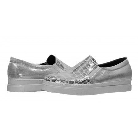 Дамски спортни обувки без връзки XCESS бели/сребристи