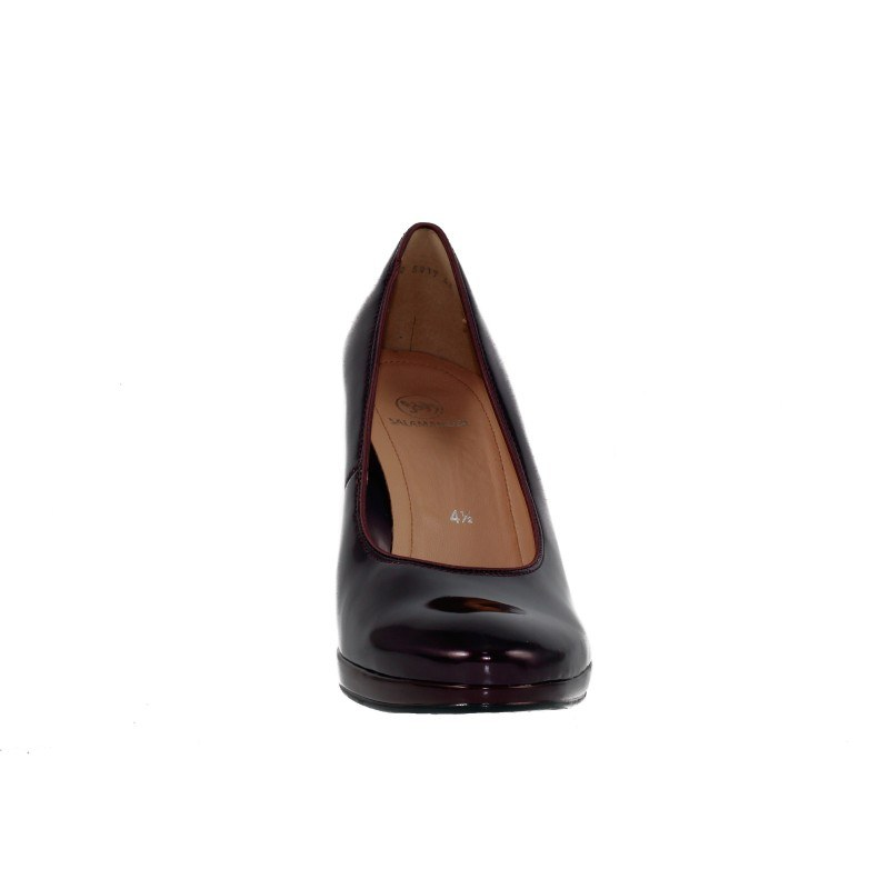 Елегантни дамски обувки на ток Salamander бордо