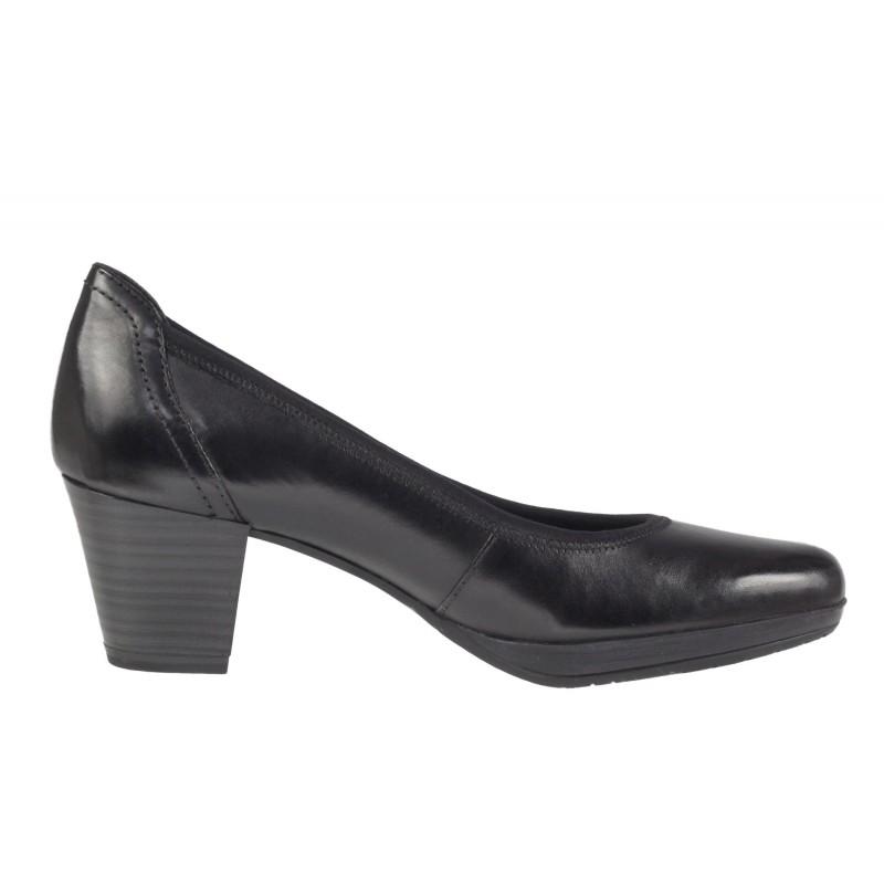 Дамски черни класически обувки на среден ток естествена кожа Marco Tozzi мемори пяна
