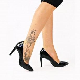 Елегантни дамски обувки с тънък ток Marco Tozzi черен лак