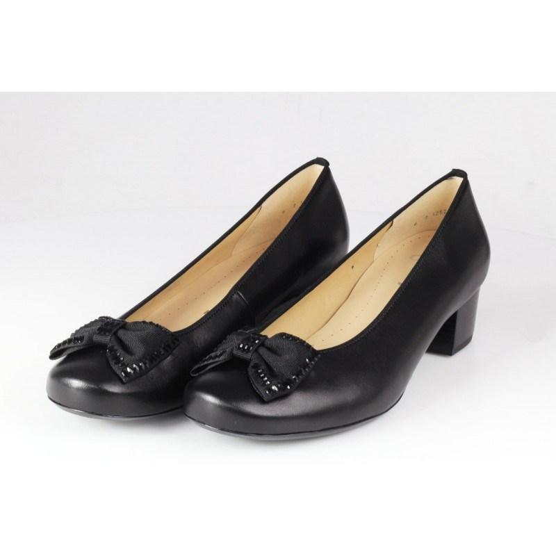 Дамски елегантни обувки от естествена кожа на нисък ток Ara черни ширина К