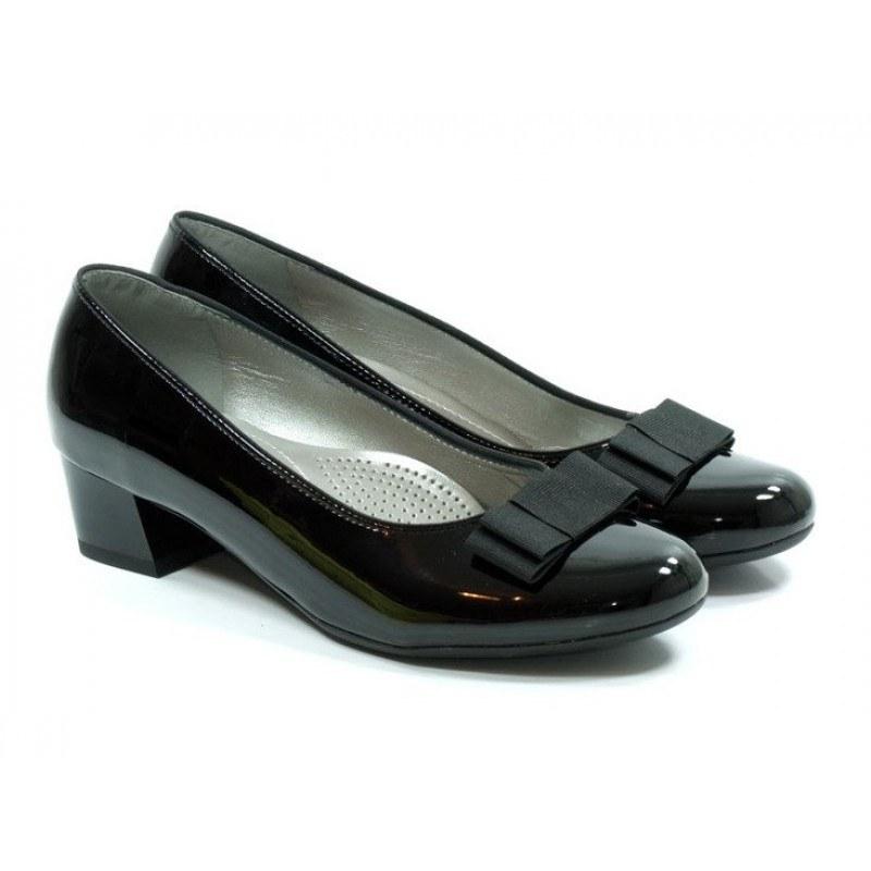 Дамски лачени обувки на нисък ток Ara черни