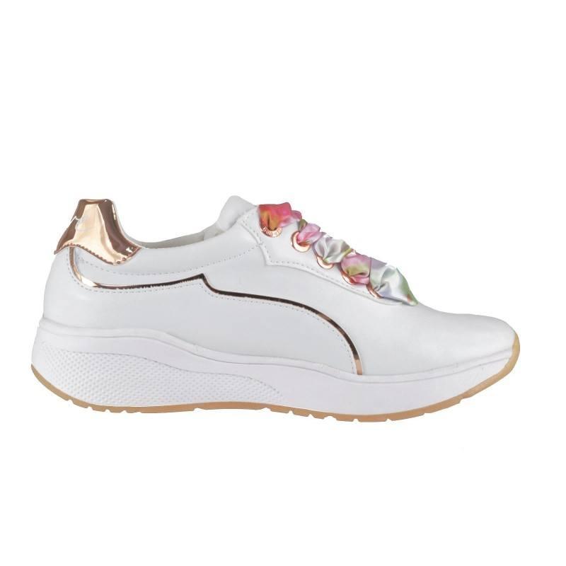 Дамски спортни обувки с връзки Bugatti Mаlou бели