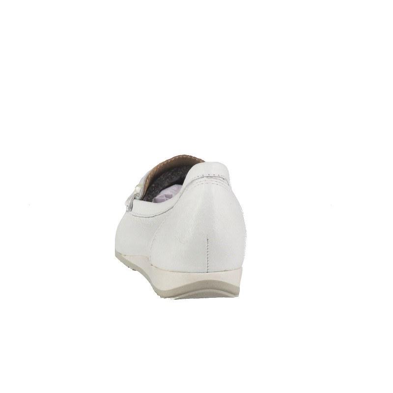 Дамски равни мокасини естествена кожа Caprice бели