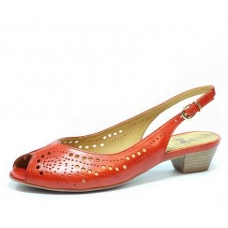 Дамски сандали с нисък ток Caprice