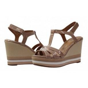 Дамски сандали на платформа Clarks Zia Wave бежови/лак