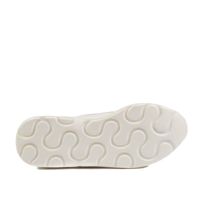 Дамски спортни обувки бели