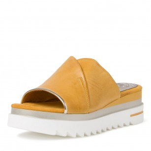 Дамски чехли Marco Tozzi естествена кожа мемори пяна жълти