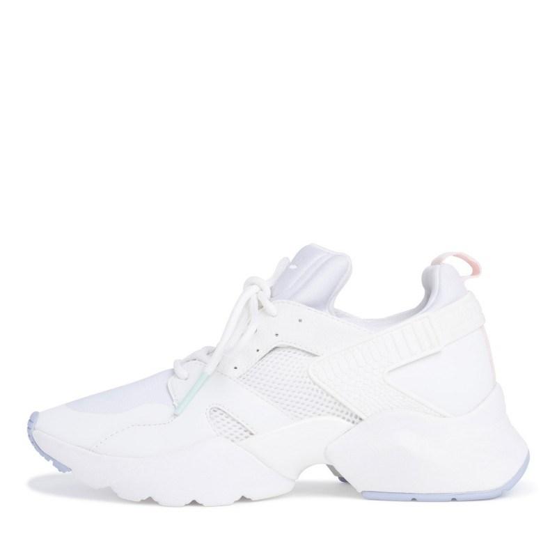 Дамски спортни обувки Tamaris Fashletics с връзки бели