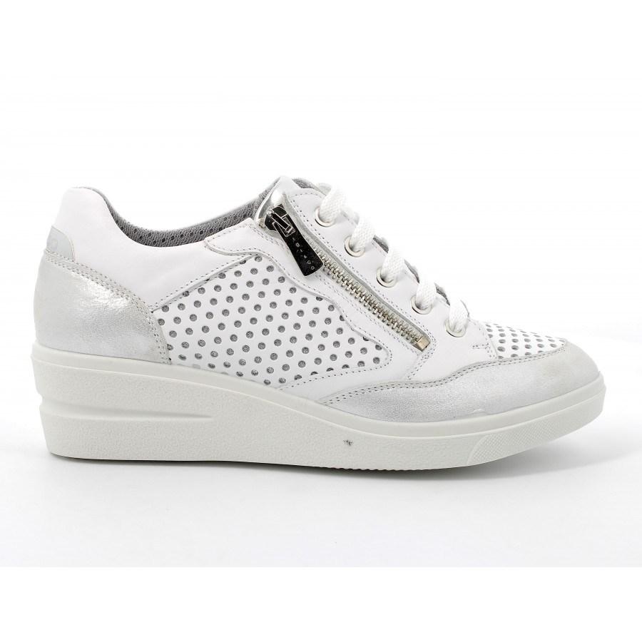 Дамски обувки IGI & CO на платформа естествена кожа бели