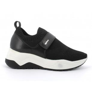 Дамски спортни обувки IGI & CO на платформа черни