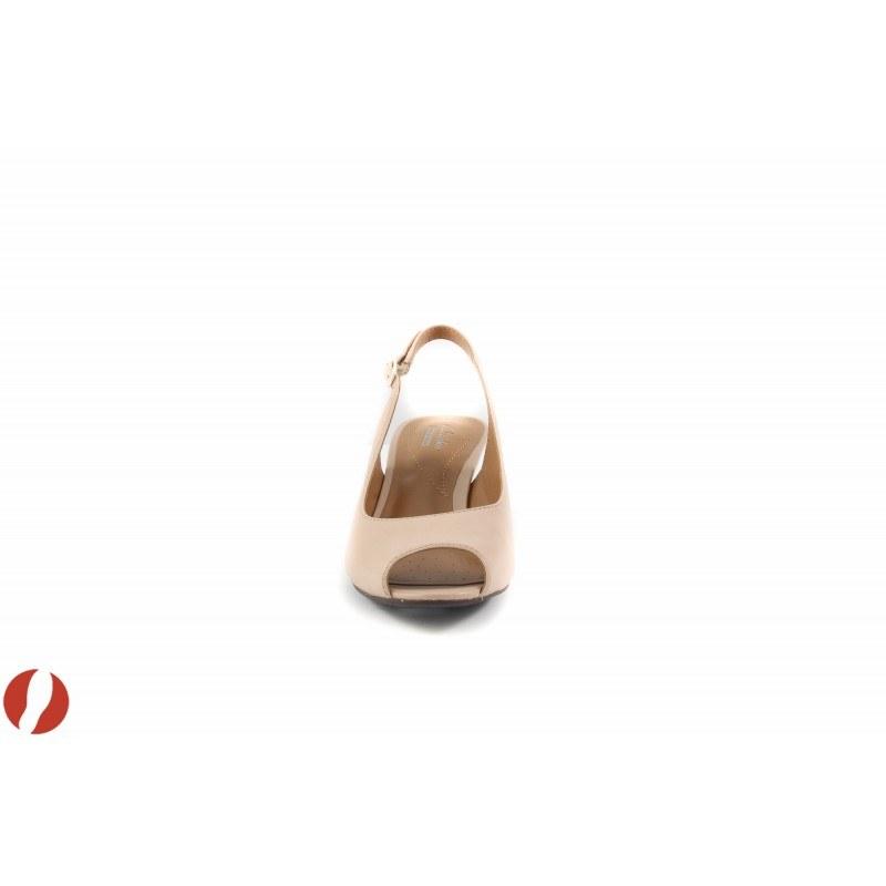 Дамски сандали на платформа Clarks Brielle April 26105695