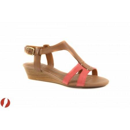 Дамски сандали на платформа корал Clarks Playful Game 26108625