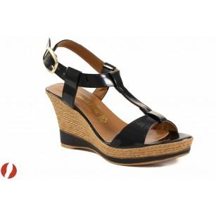 Дамски сандали на платформа Tamaris черен лак 28085007