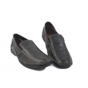 Мъжки кожени обувки без връзки черни 8802001