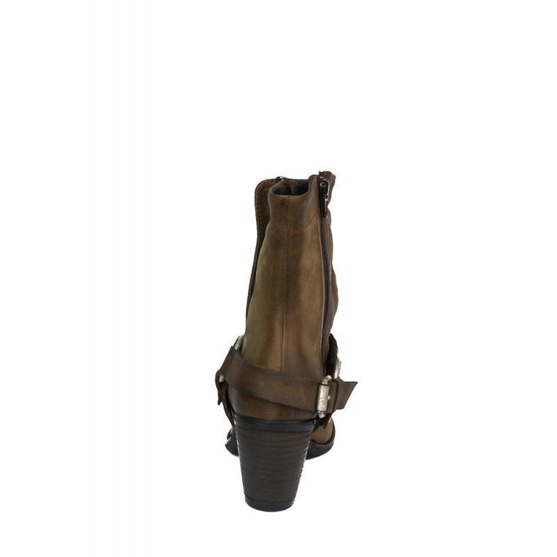 Дамски кожени боти на ток бежови уестърн стил 01503