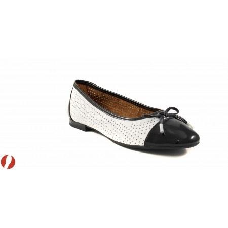Дамски обувки балерина перфорирани Caprice бели 22105103