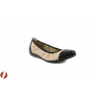 Дамски обувки балерина беж/черен лак Caprice 22161344