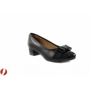 Дамски обувки на среден ток черни Caprice 22301011